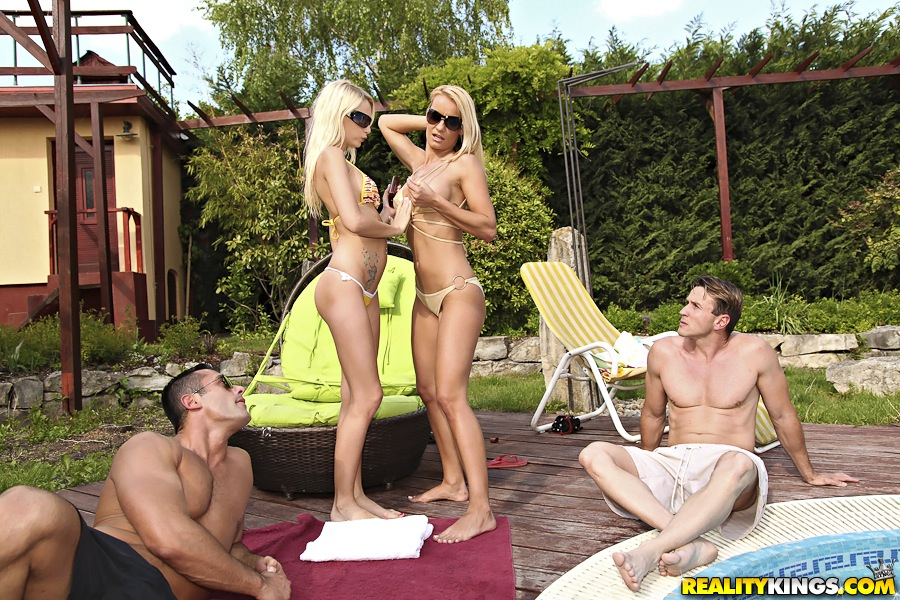 german pissing foursome