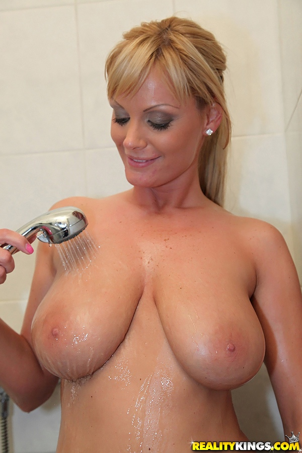 image Shaving my pussy before camming andrea sky