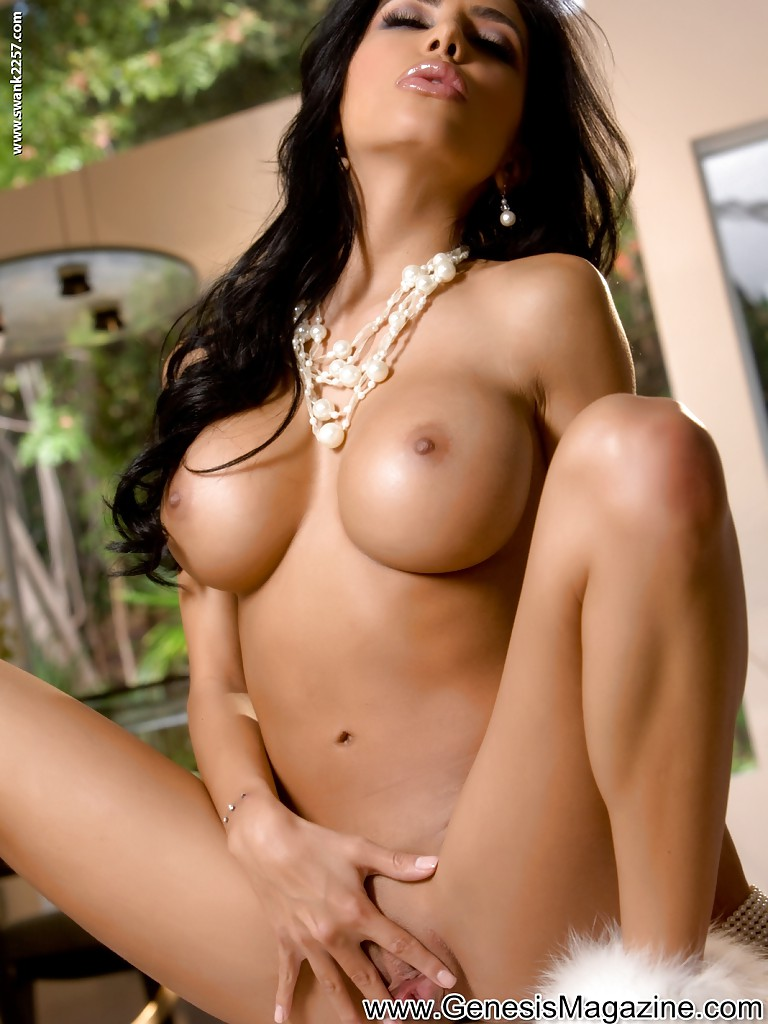 the most sexy naked latin women
