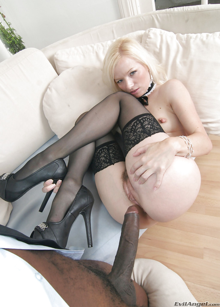 Can read black high heels and stockings fucking