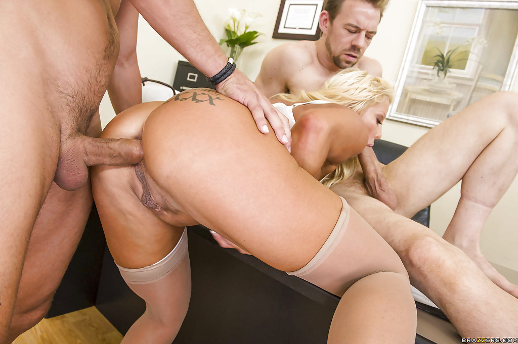 Jr Carrington Anal