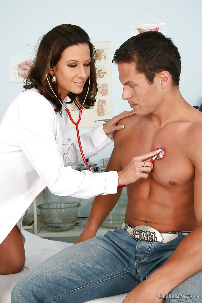 Strapon doctor