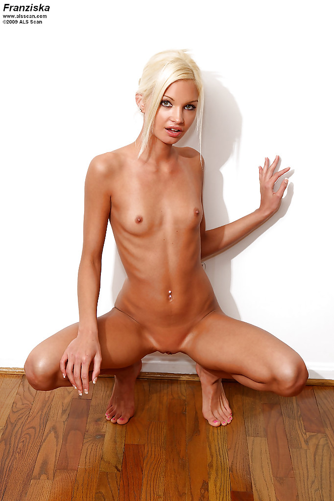 skinny-shaved-pusst-video-maria-canellis-naked