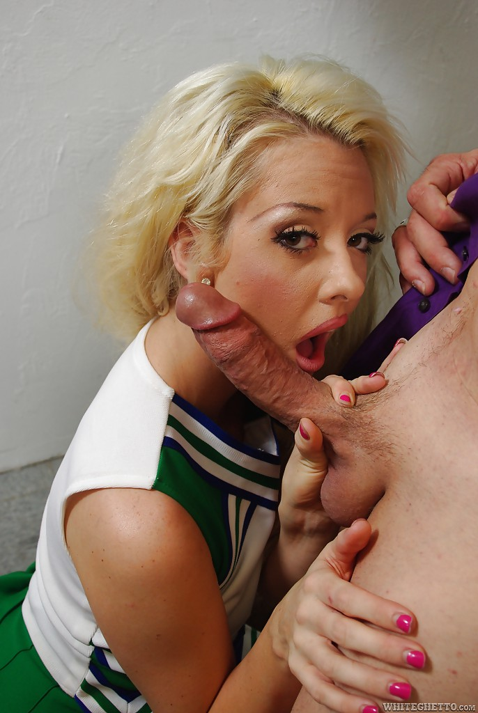 hot-cheerleader-getting-fucked-sexy-model