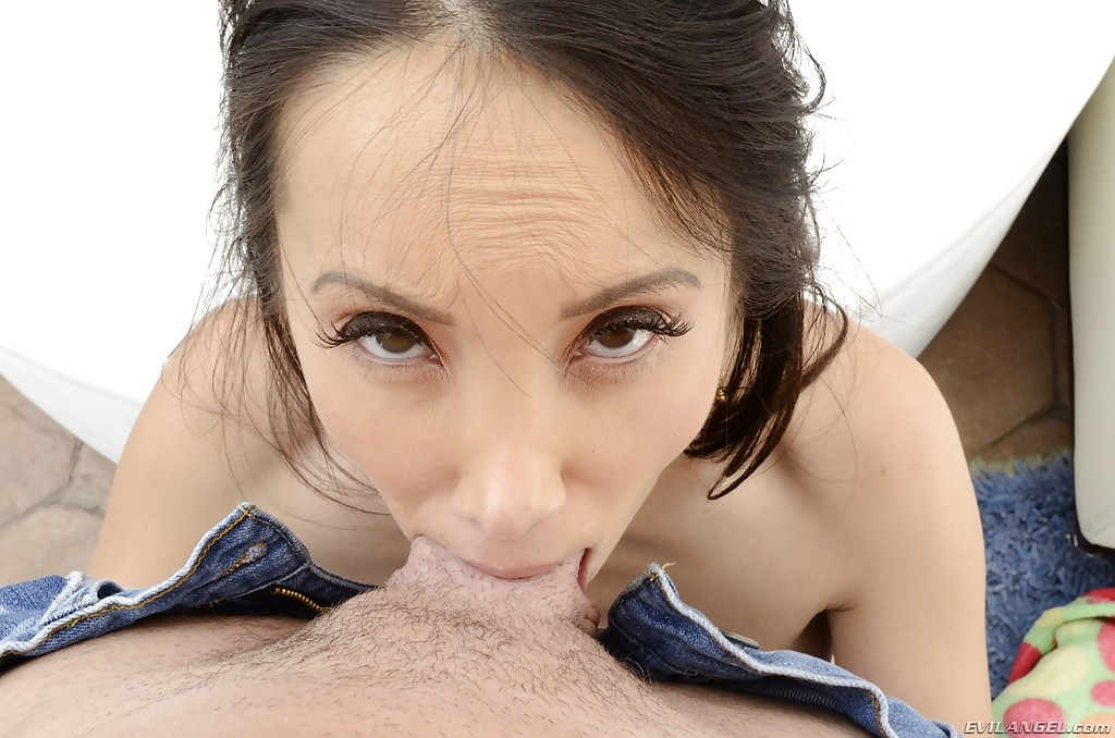 Slutty asian deepthroat