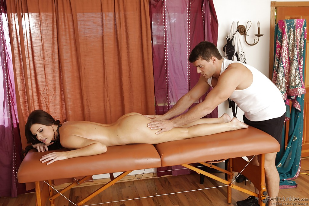 India summer milf massage