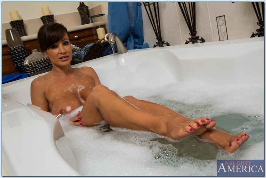 Lisa ann bathroom sex
