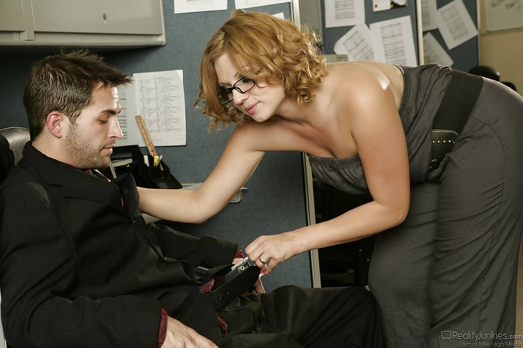 Curvy Office Porn - ... Curvy MILF Ava Rose gives a blowjob and gets screwed by her office mate  ...