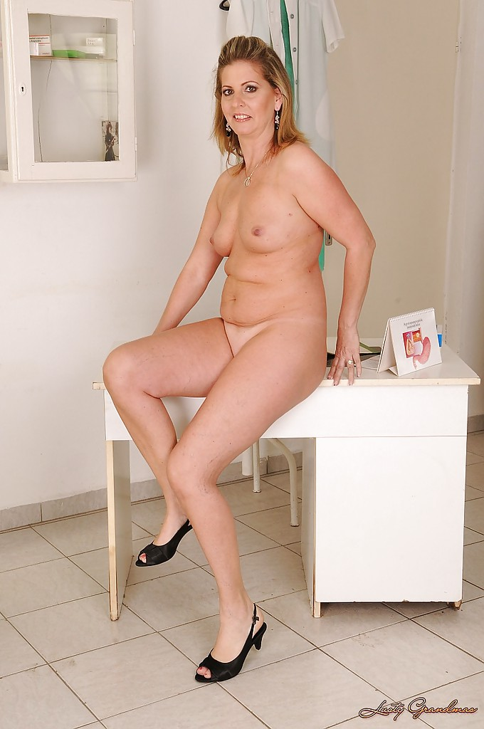 full figured nude pics