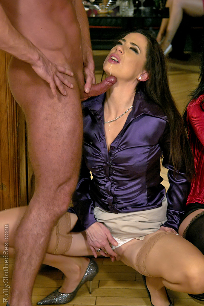 Clothed glamour fetish slut mmf blowjob and fuck indian sex pics