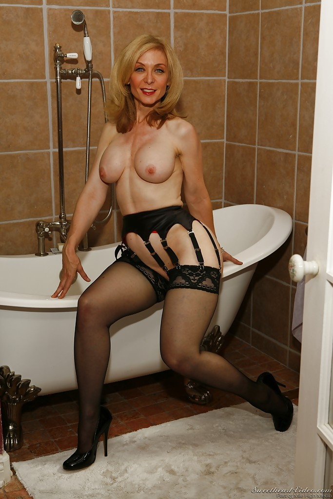Porn mature stockings