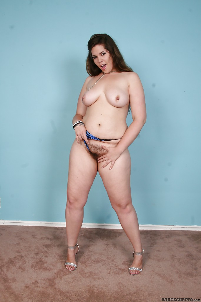 Gia darling fucks girl guy