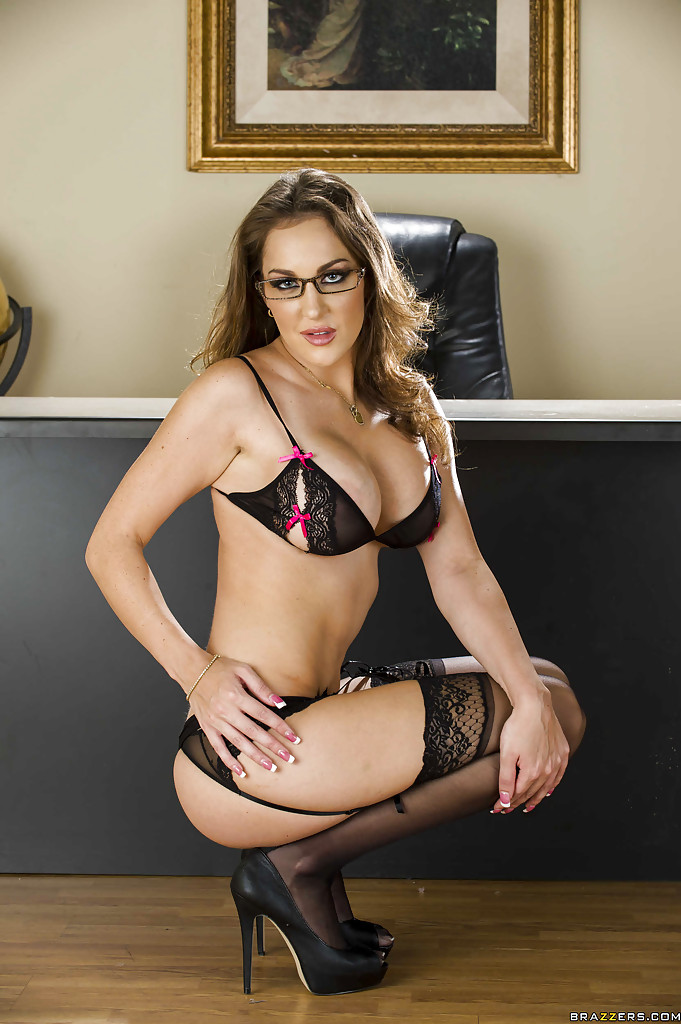 Sexy secretary in glasses Kiera King stripping and spreading ...