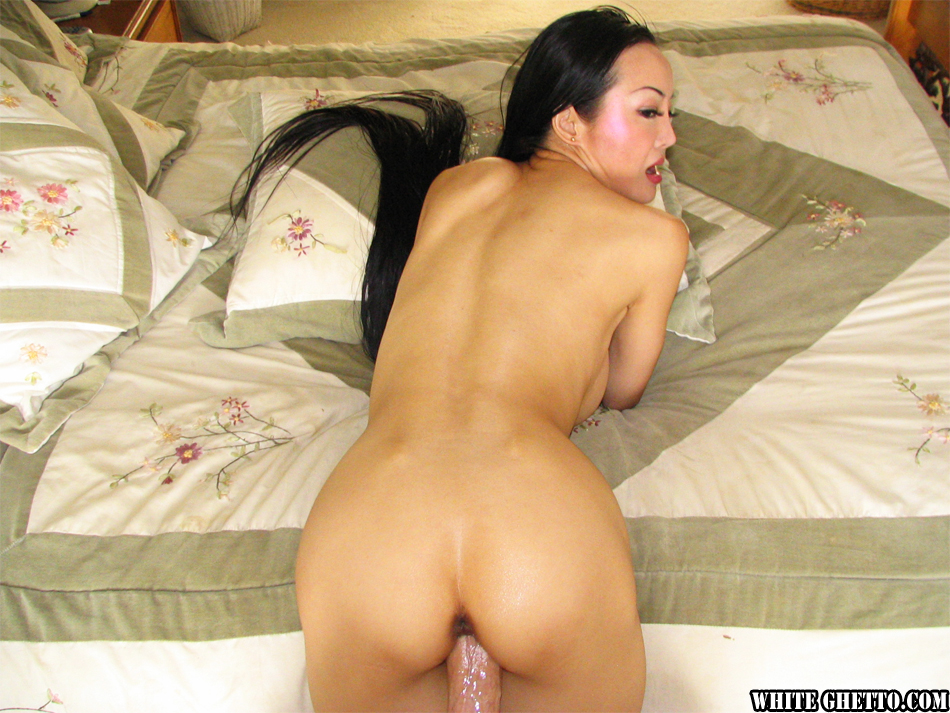 Ange venus asian mom takes it up the ass - 3 part 2