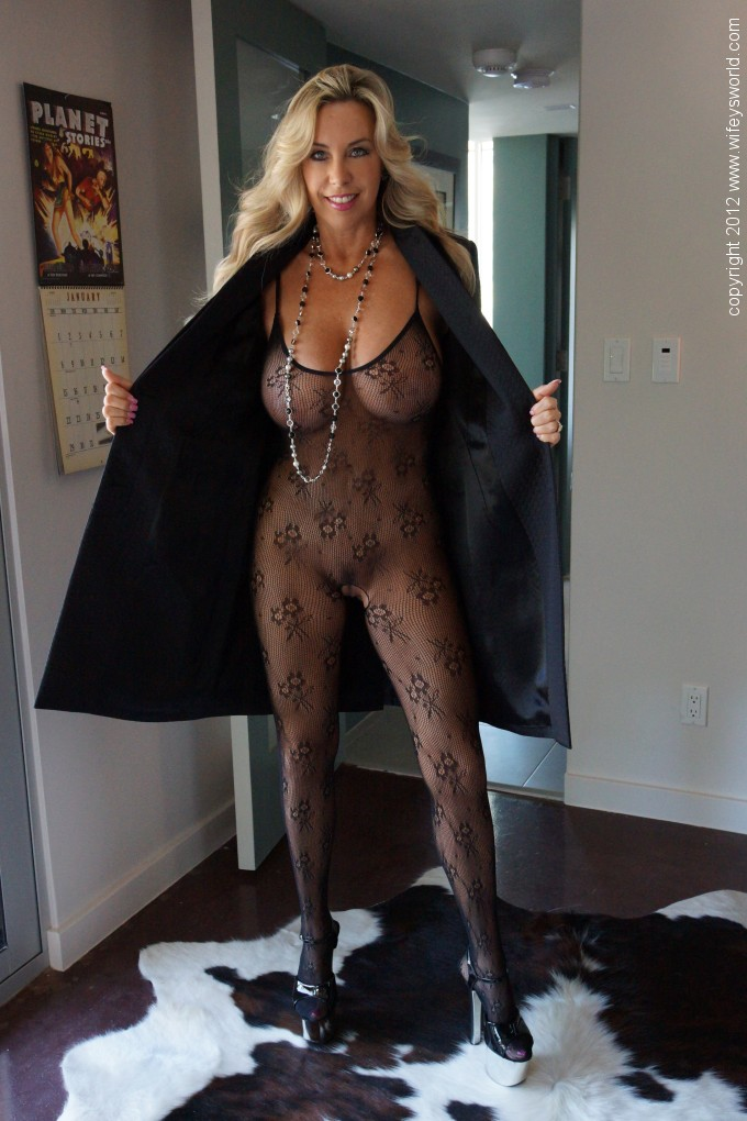 Pantyhose bodystocking and catsuit porn