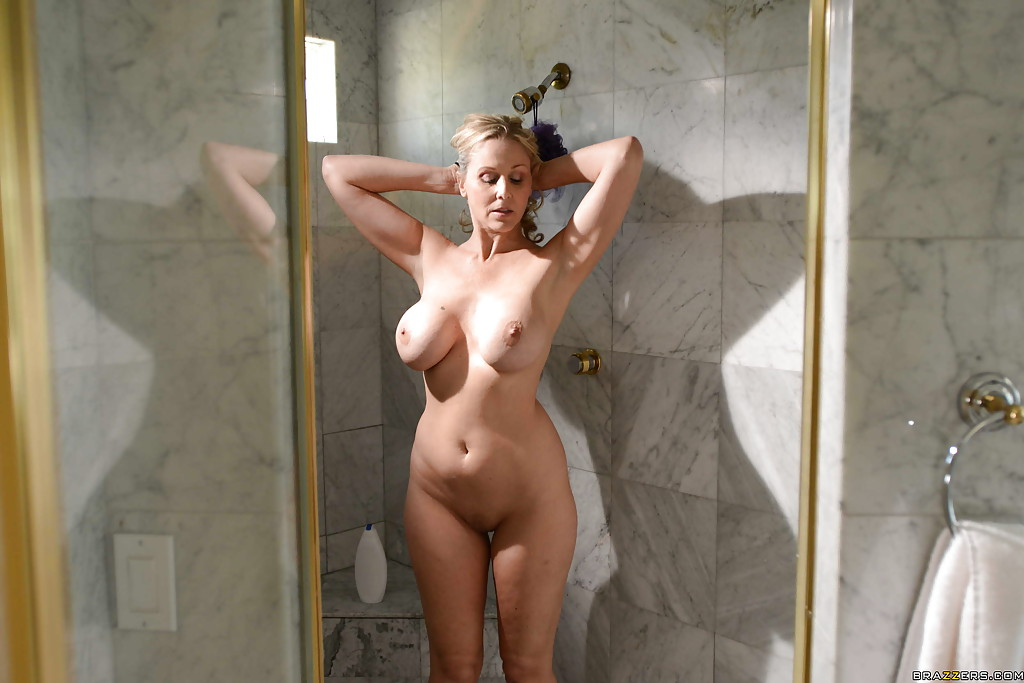 Milf shower tumblr, anna faris nude fake
