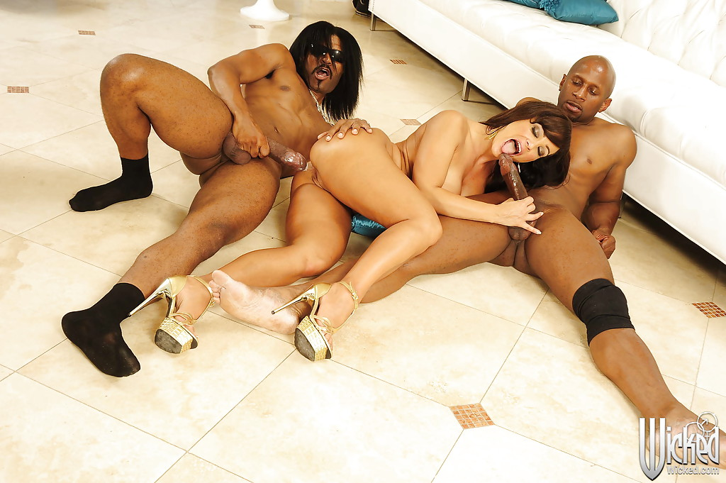 mature black gang porn - ... Lisa Ann is into interracial gang-bang action with well-hung black guys  ...