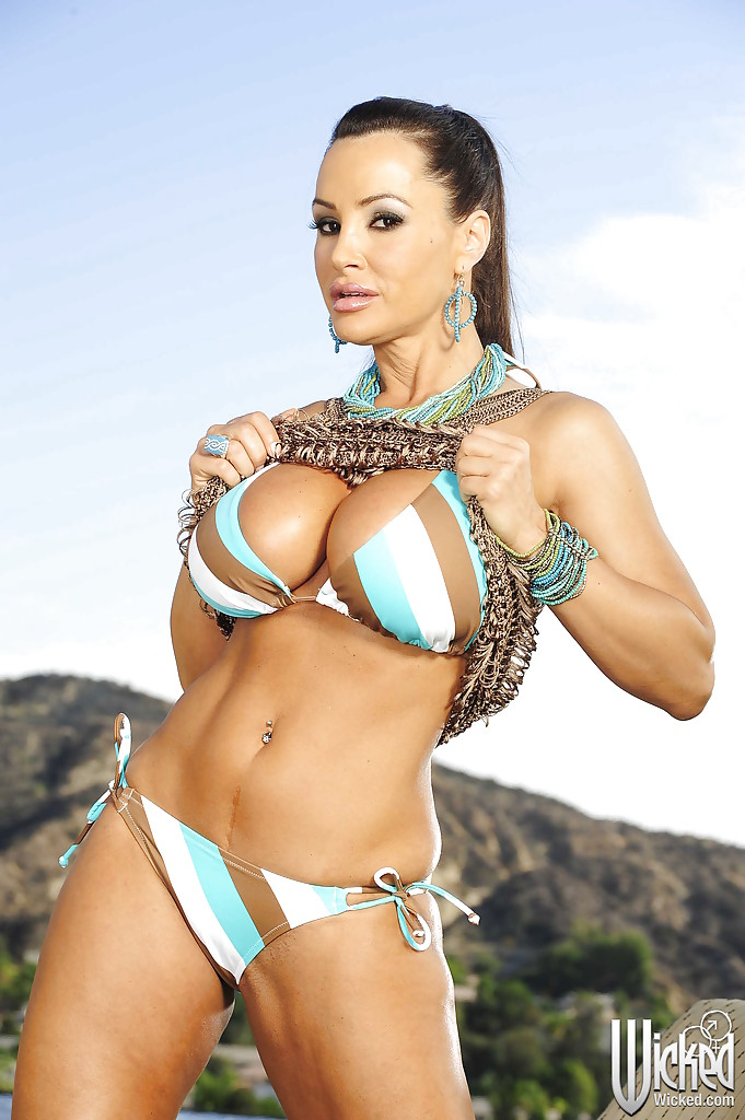 lisa ann Hot