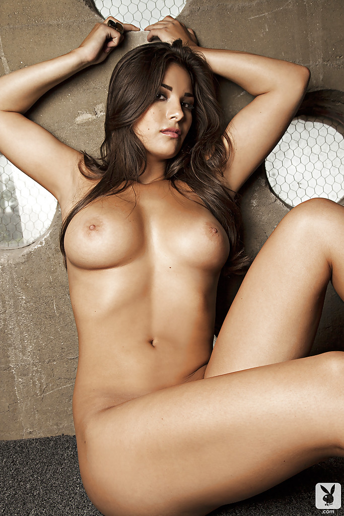 Latino girls nude photos