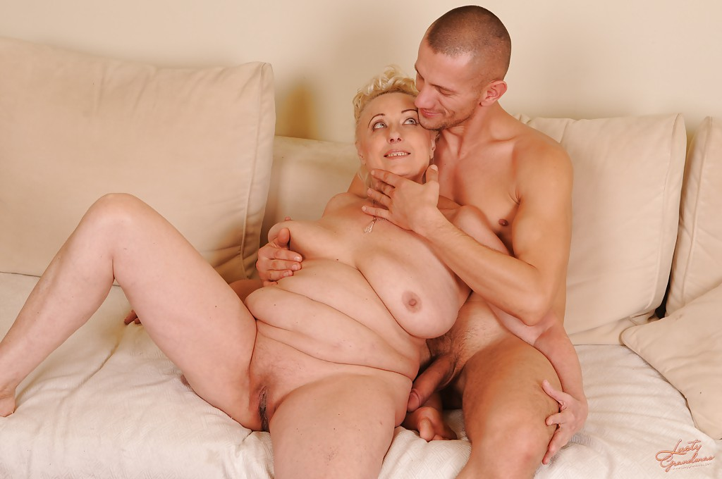 Slutty grandma sucks cock and gets a mouth full of cum 1