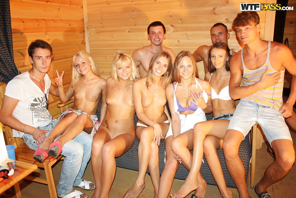 Teen nude sex party