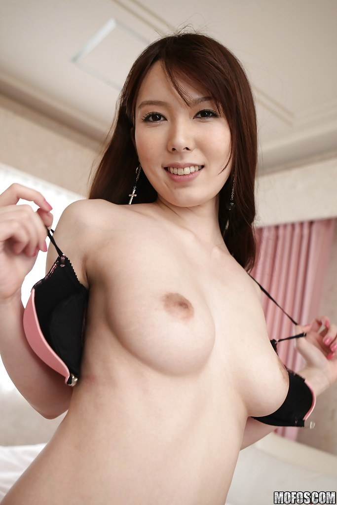 sexy nude tempting asians