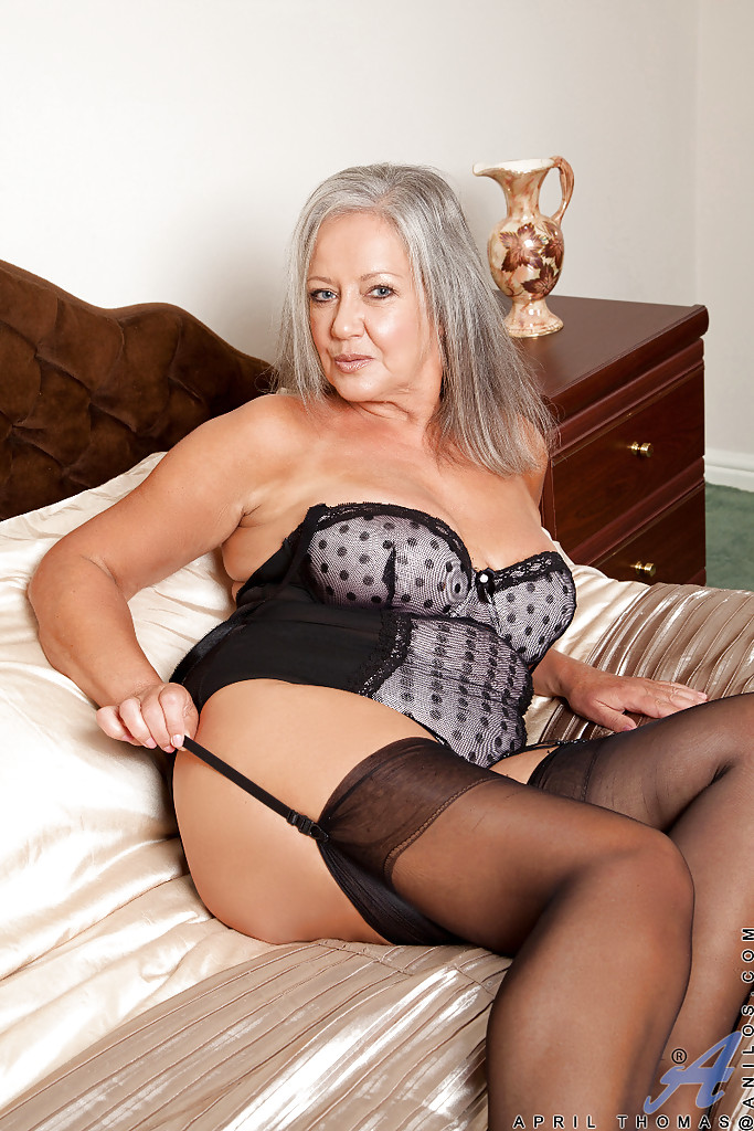 Free mature ladies horny stockings