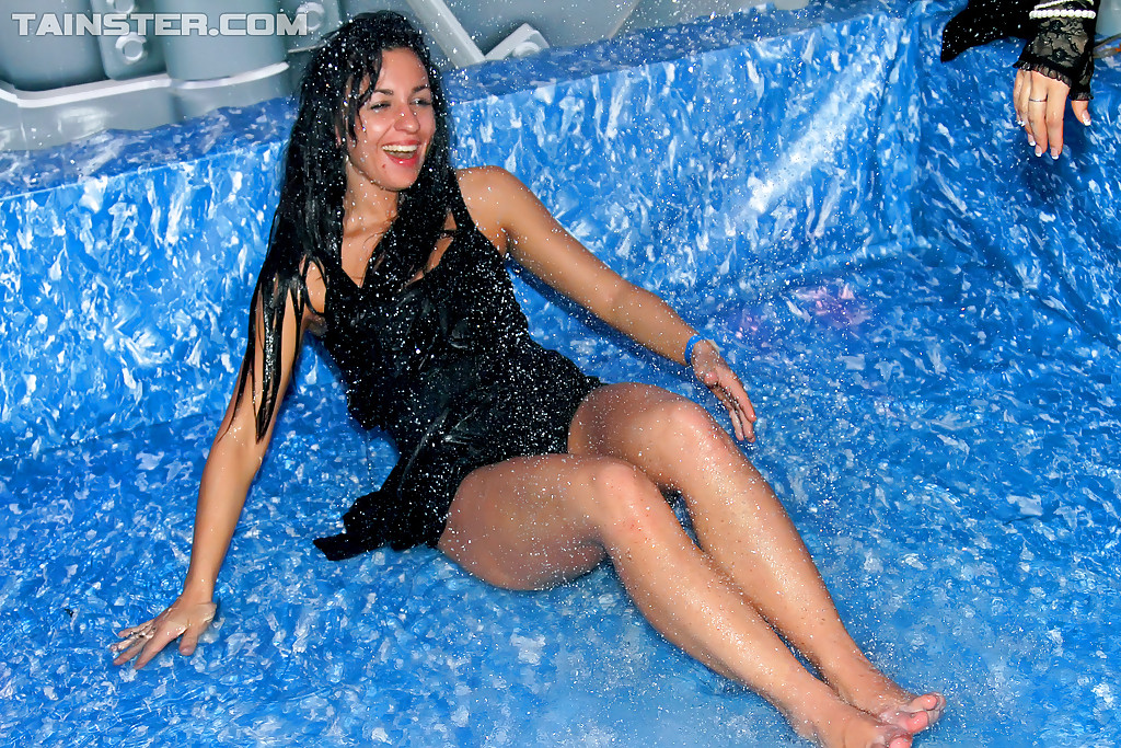 Wet and wild party girls
