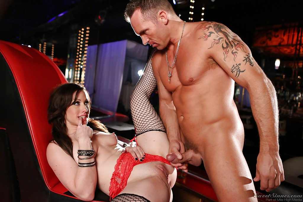Male stripper fucking a girl