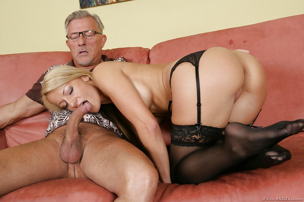 Milf stocking footjob