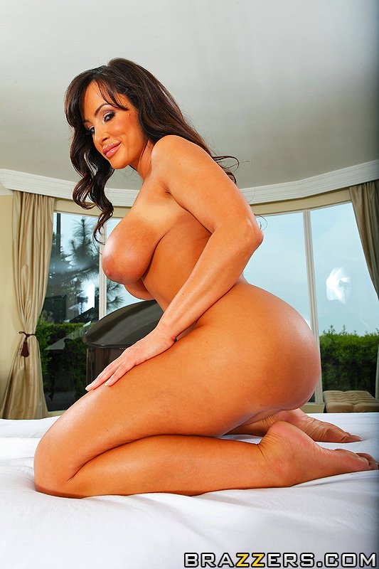 Fat Ass Porn Anna - ... Stupendous pornstar Lisa Ann gets anal banged by a well-hung masseur ...