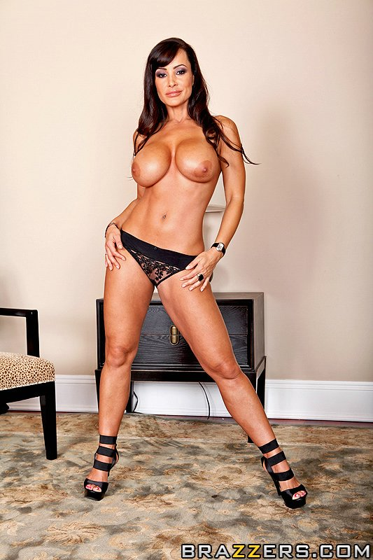 lisa-ann-naked-and-gets-fucked