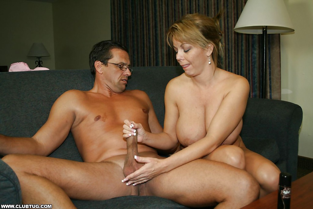 Mom gives son handjob ' Search - XVIDEOS. COM