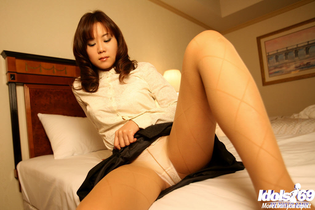 coed girl pantyhose