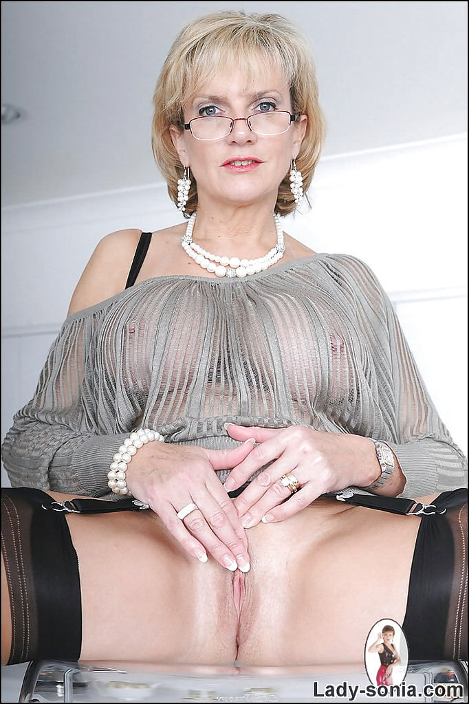 Short haired mom is a fantastic fuck machine 4