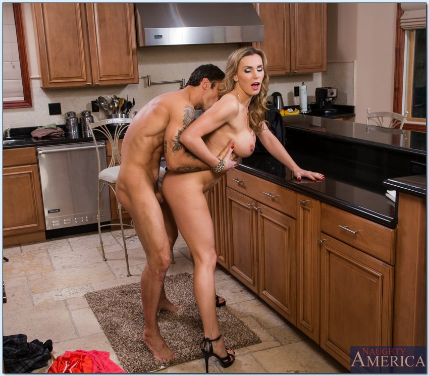 Mature sex in the kitchen 2