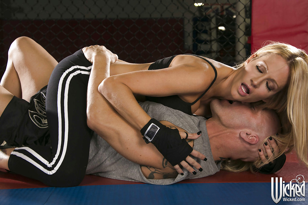 getting blowjob Drake a