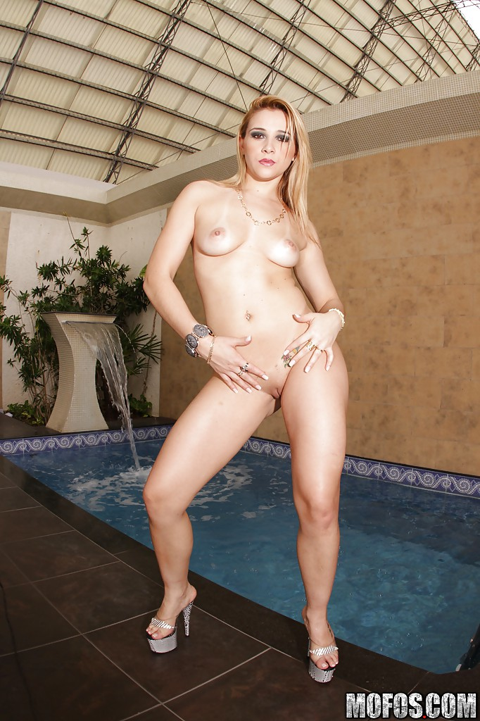 Mofos i know that girl spinner gets wet pussy banged sta 8