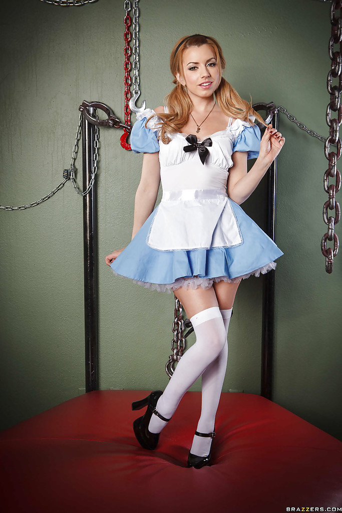 Sexy lexi costume belle nurse