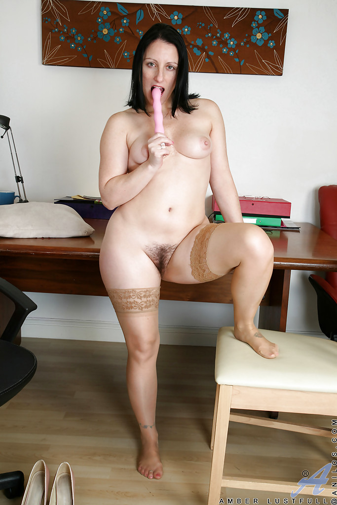 Amber sex with her bf in hotel room lahore 7