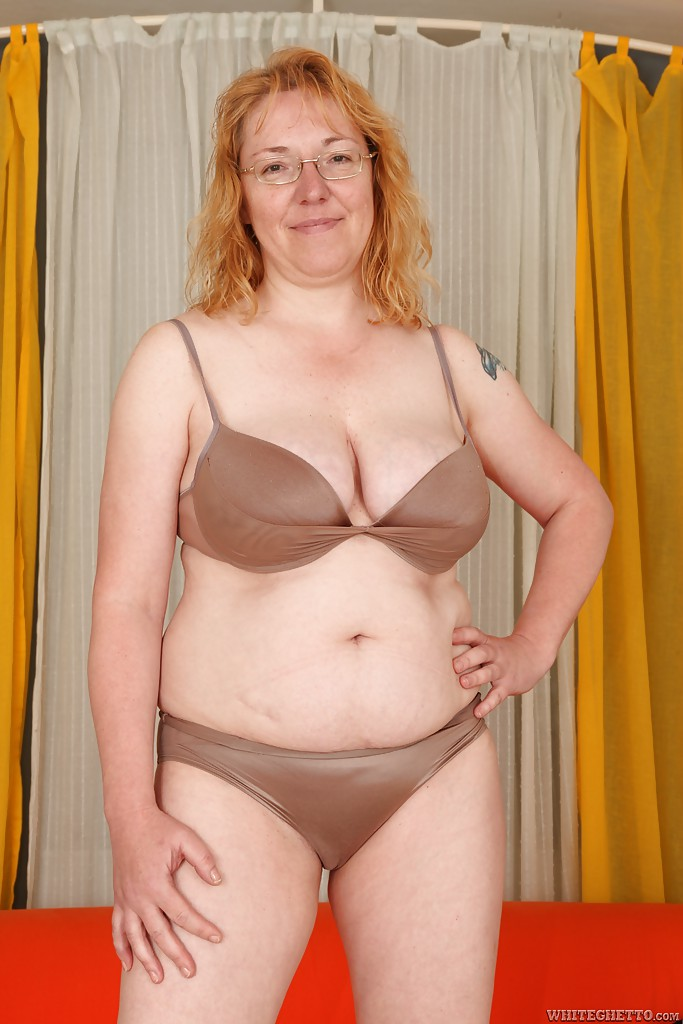 Chubby mature porn photos