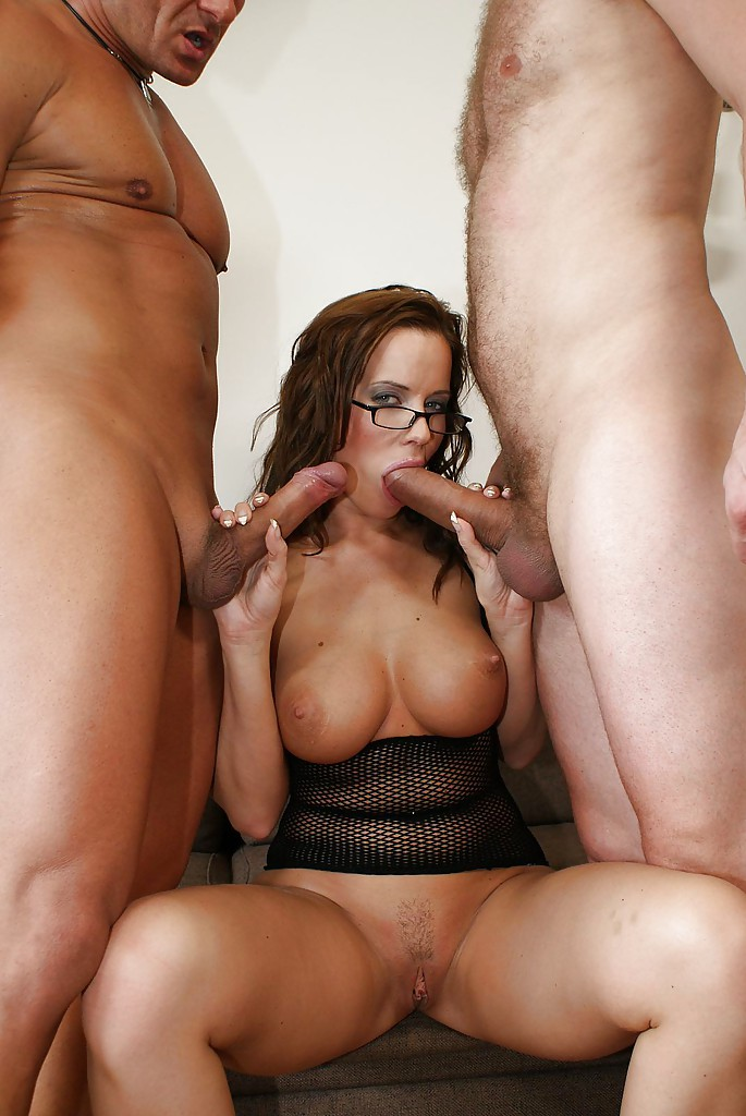 Amature wife get crazy threesome
