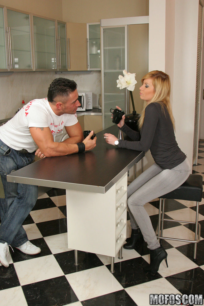 Hot blonde Donna Bell enjoys hard twatting and takes a cumshot in her mouth