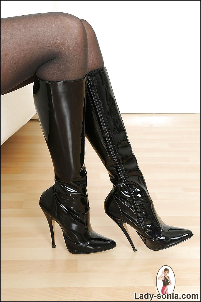Fetish for pantyhose boots heels