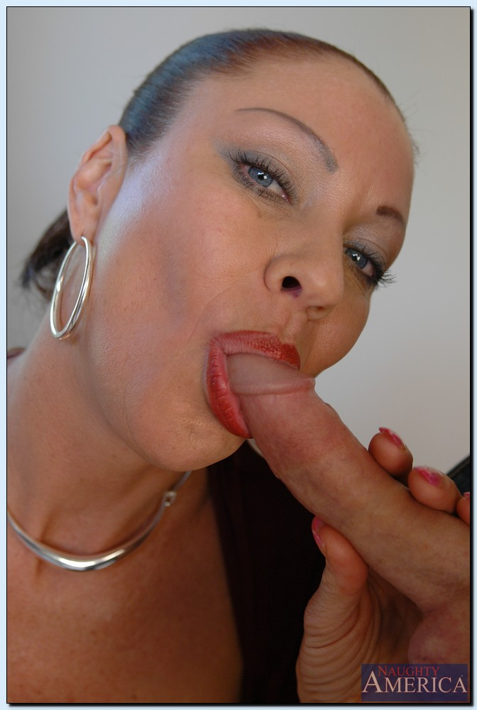 vanessa videl enjoys fmm groupsex and gets jizzed over her eager