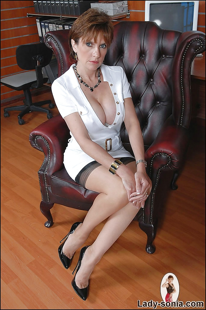 Mature sex therapist highly engaged 2