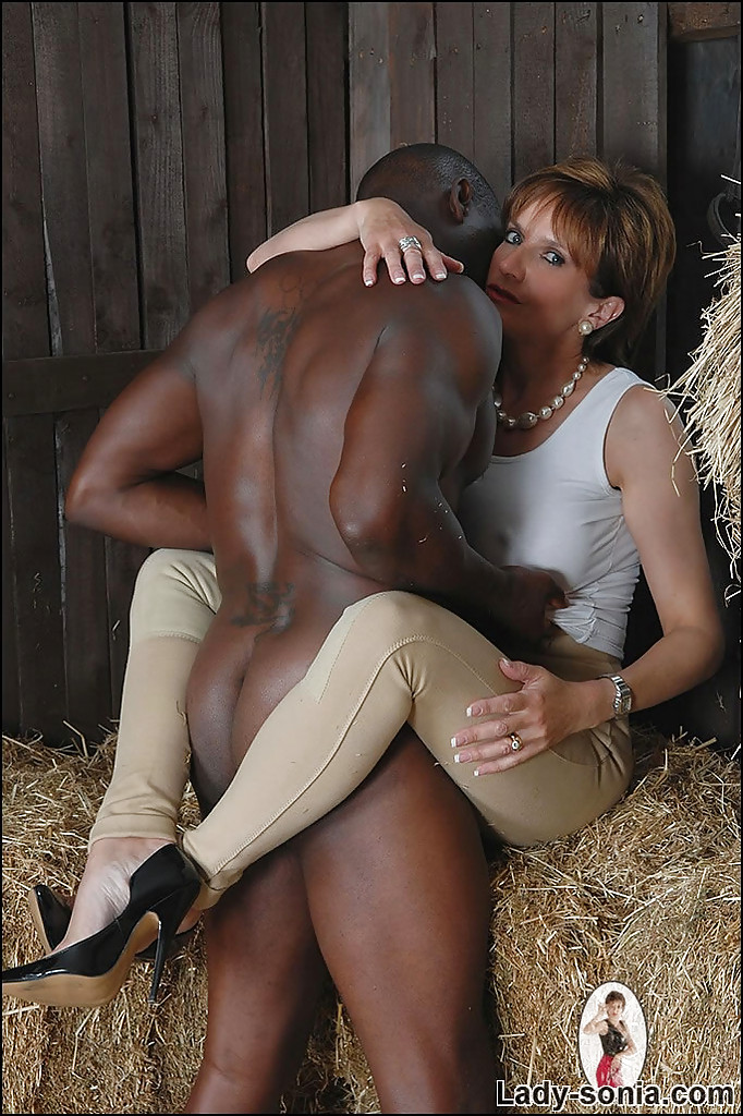 naked black mom and girls and boys