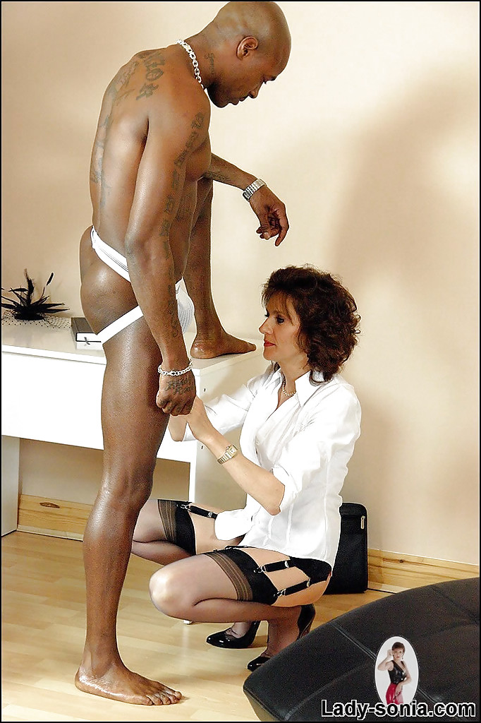 mature fetish lady has some interracial cock sucking and