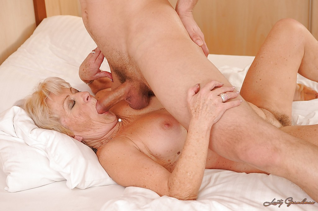 ass-fucked-getting-in-older-woman
