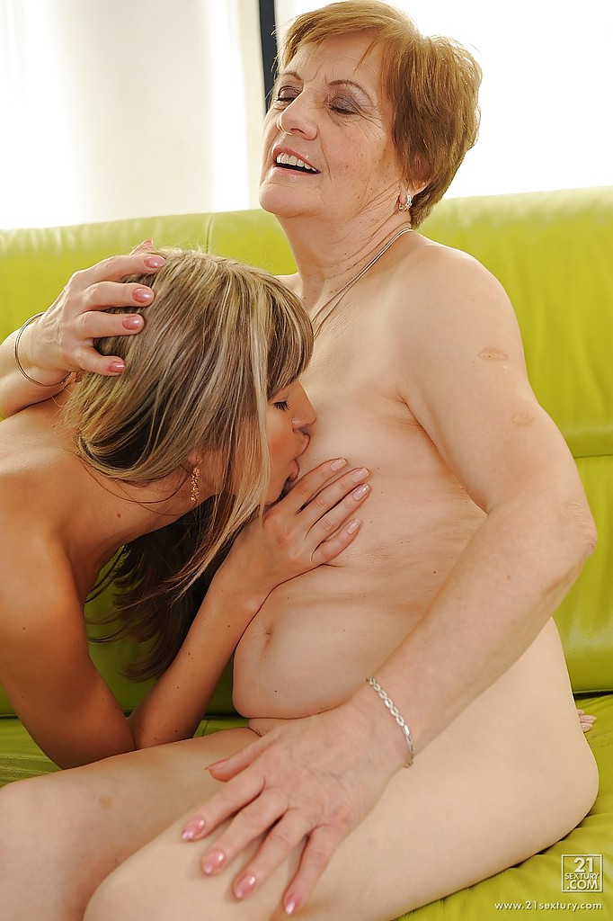 Mammy oral creampie compilation